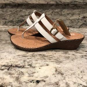 NWB/NWT Born white and tan sandals, 8
